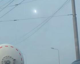 Extraña esfera luminosa observada en los cielos de Kiev.