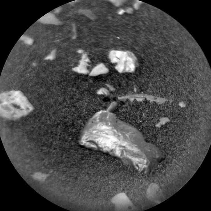 La NASA investiga un misterioso objeto brillante en Marte, ¿evidencia de vida extraterrestre inteligente?