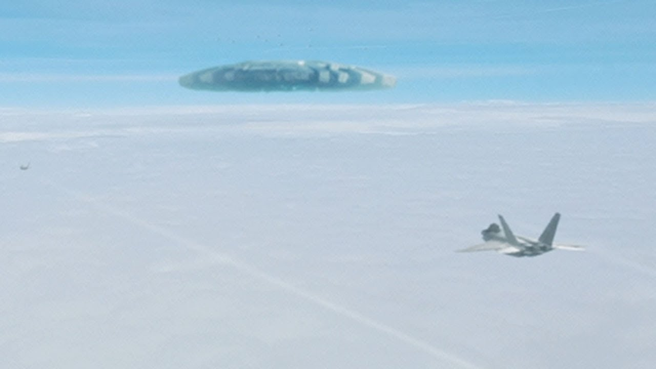 MASSIVE UFO filmed from Airplane – USA (CGI)