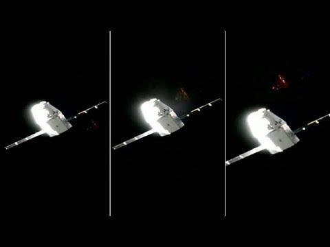 NAVE EXTRATERRESTRE SOBRE LA TIERRA RETRANSMITIDA POR SPACEX EN DIRECTO