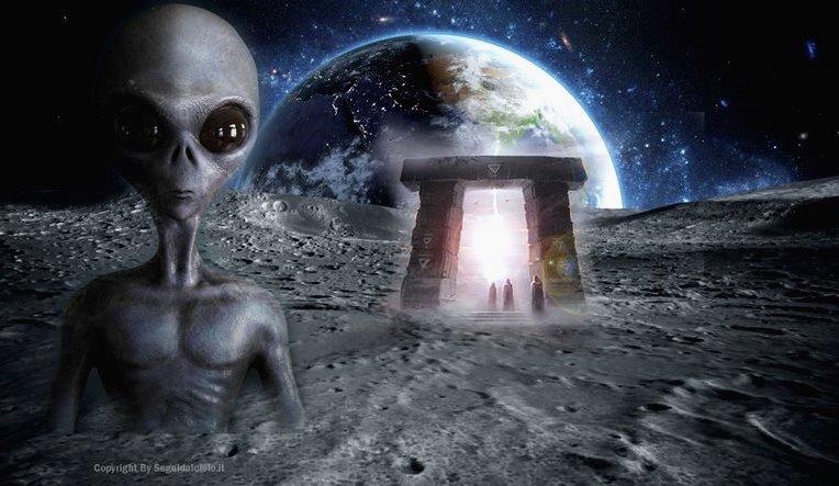 ¡Un investigador de ovnis descubre una «Entrada subterránea alienígena» en la superficie de la Luna!