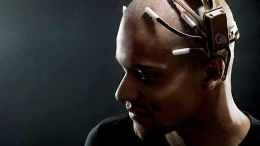 Crean sistema que puede traducir los pensamientos en palabras audibles