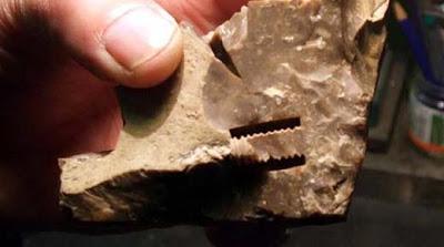 Ooparts: ¿ Estos pernos provenientes de la prehistoria fueron fabricados con tecnología avanzada ?