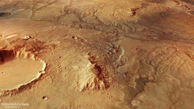 Huellas de antiguos cauces en Marte