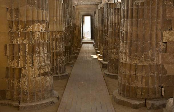 La magnifica pirámide escalonada de Zoser en Saqqara