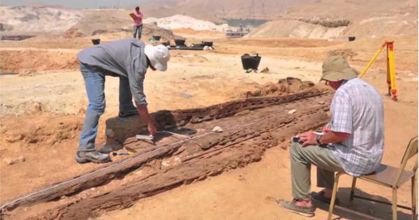 Las ruinas de una antigua ciudad en Australia emergen después de un terremoto