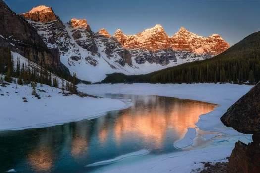Montañas y llanuras son halladas a 660 km de profundidad bajo la corteza terrestre