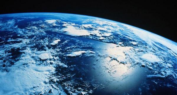 1.000 años tendría la humanidad para abandonar la Tierra, según físico británico.