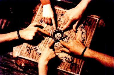 10 Tragedias causadas por Jugar Ouija