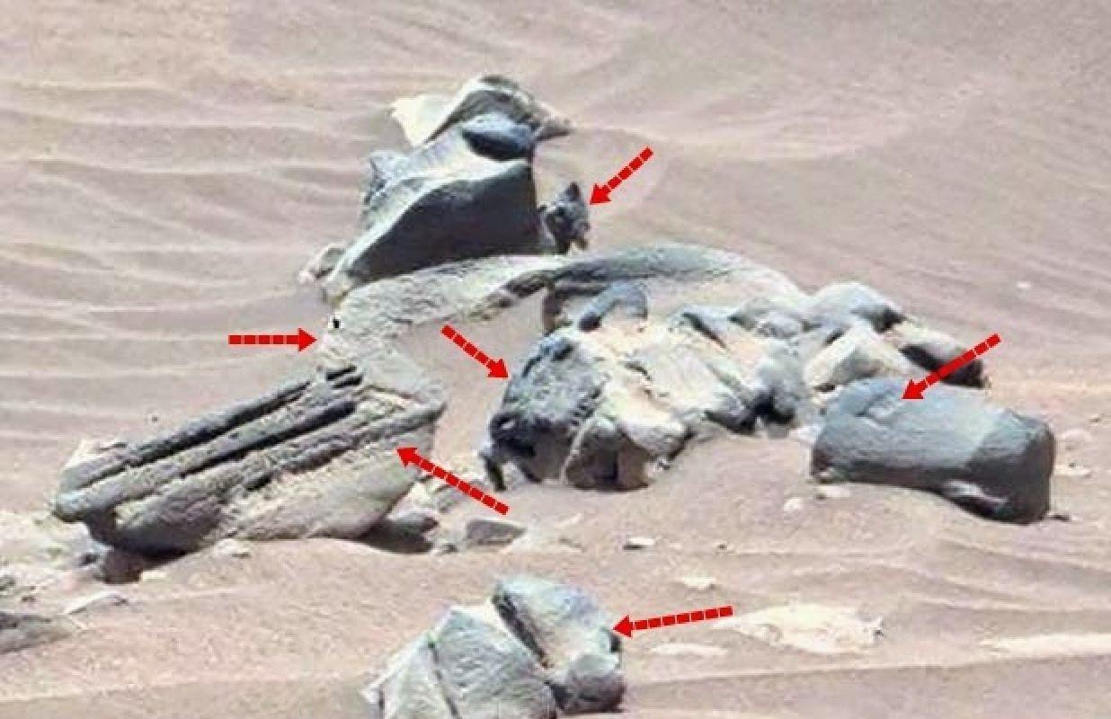 Curiosity descubre posible estatua tallada en marte