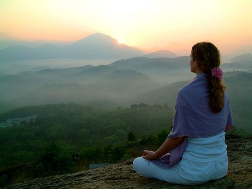 Meditar podría mantener tu cerebro joven