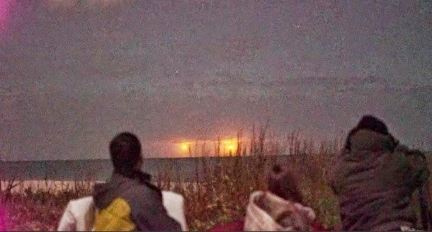 Miembros del CSETI graban extrañas luces en Vero Beach Florida