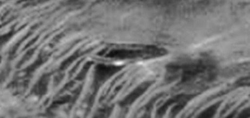 OVNI gigante accidentado en Marte ?