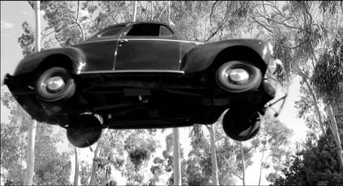 El vórtice espacio-tiempo del coche de los años 40