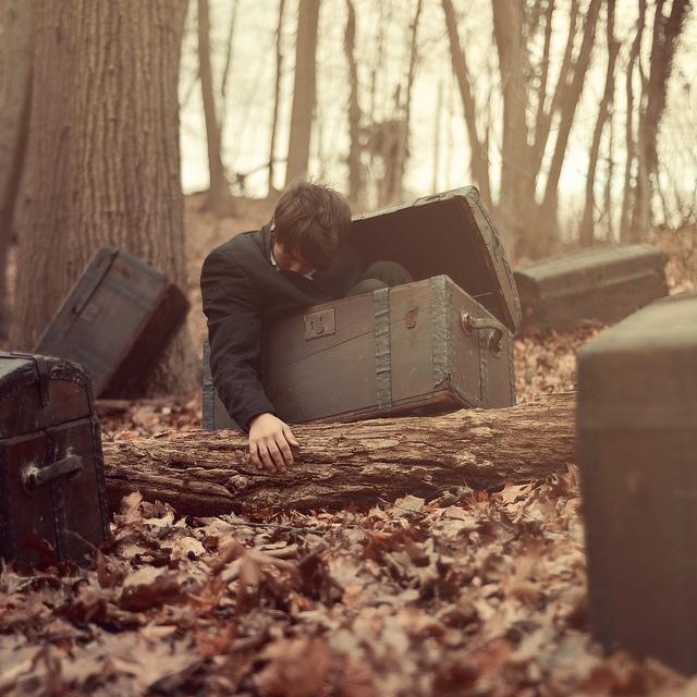 Fotógrafo que sufre de parálisis del sueño retrata sus visiones en imágenes
