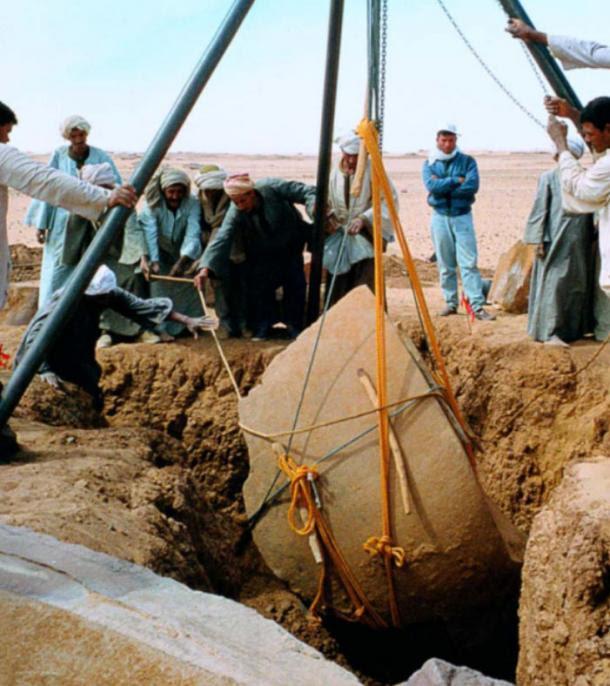 Religión, Sacrificio, y el misterio de las rocas de mesa en Nabta Playa