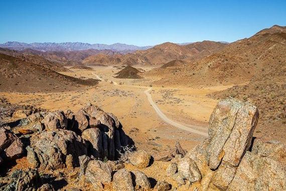 Una misteriosa caverna en África y su guardián serpiente gigante