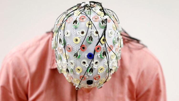10 formas de manipular el cerebro humano