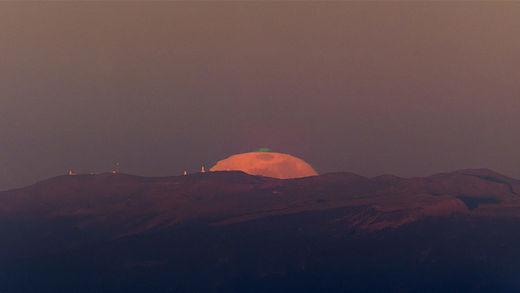 Captan en las islas Canarias un extraño rayo lunar de color verde