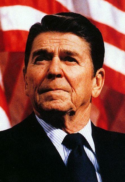 EL Ex-Presidente Ronald Reagan sabia de una invasión extraterrestre