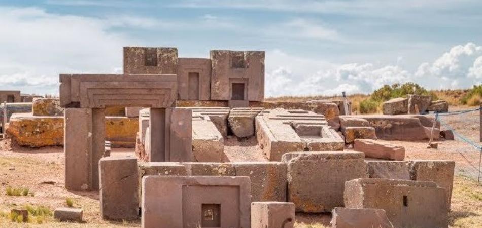 La Puerta del Puma: El misterioso origen de su imposible construcción. (Está perfectamente posicionada – Bolivia.