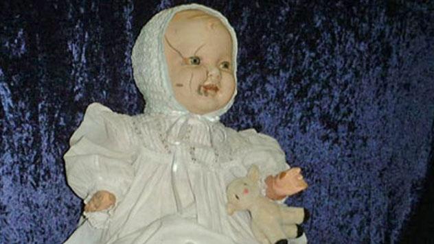 10 muñecas malditas con las que no conviene jugar
