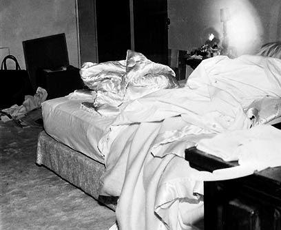 EL SECRETO DE LA MUERTE DE MARILYN MONROE, ¿La asesinaron por saber los secretos del Área 51?
