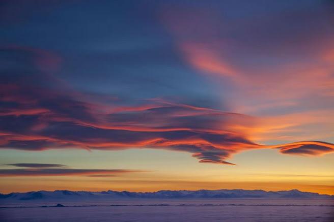 Máquina extraterrestre en la Antártida