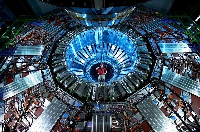 Físico del CERN: ¡Hemos observado algo raro!