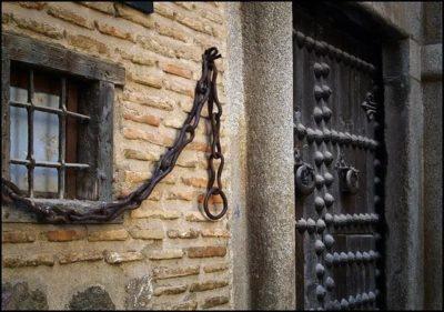 Leyenda de La casa de las cadenas de Toledo.