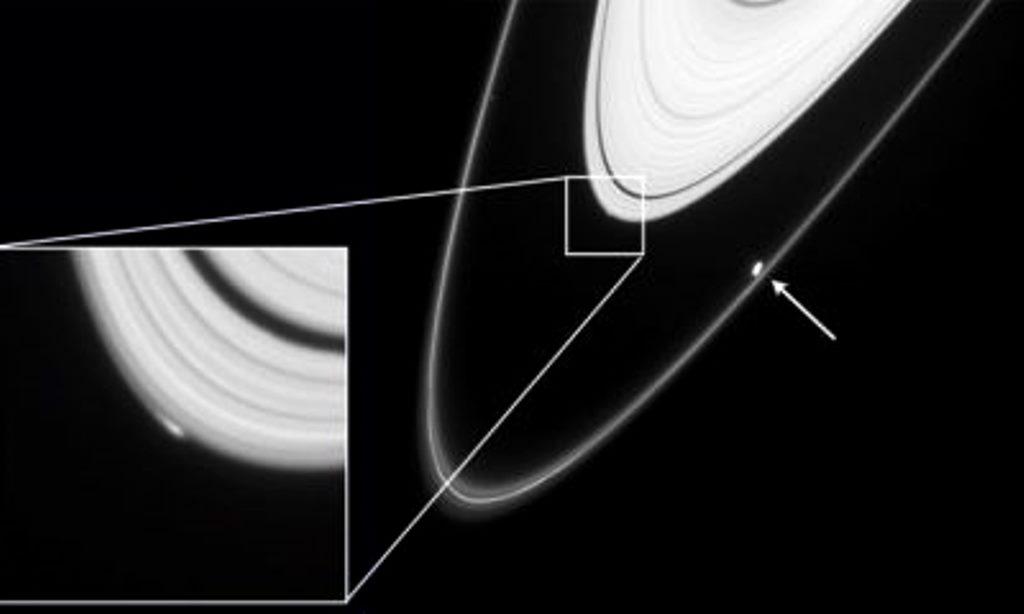 La NASA ha encontrado «Naves espaciales alienígenas» entre los Anillos de Saturno