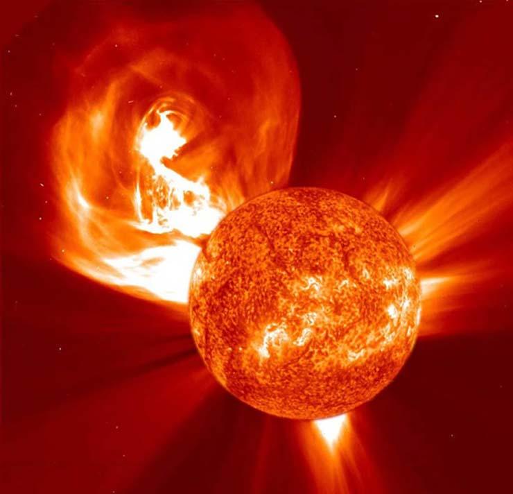 Una súper tormenta solar está provocando los terremotos de California y la inusual ola de calor en todo el mundo