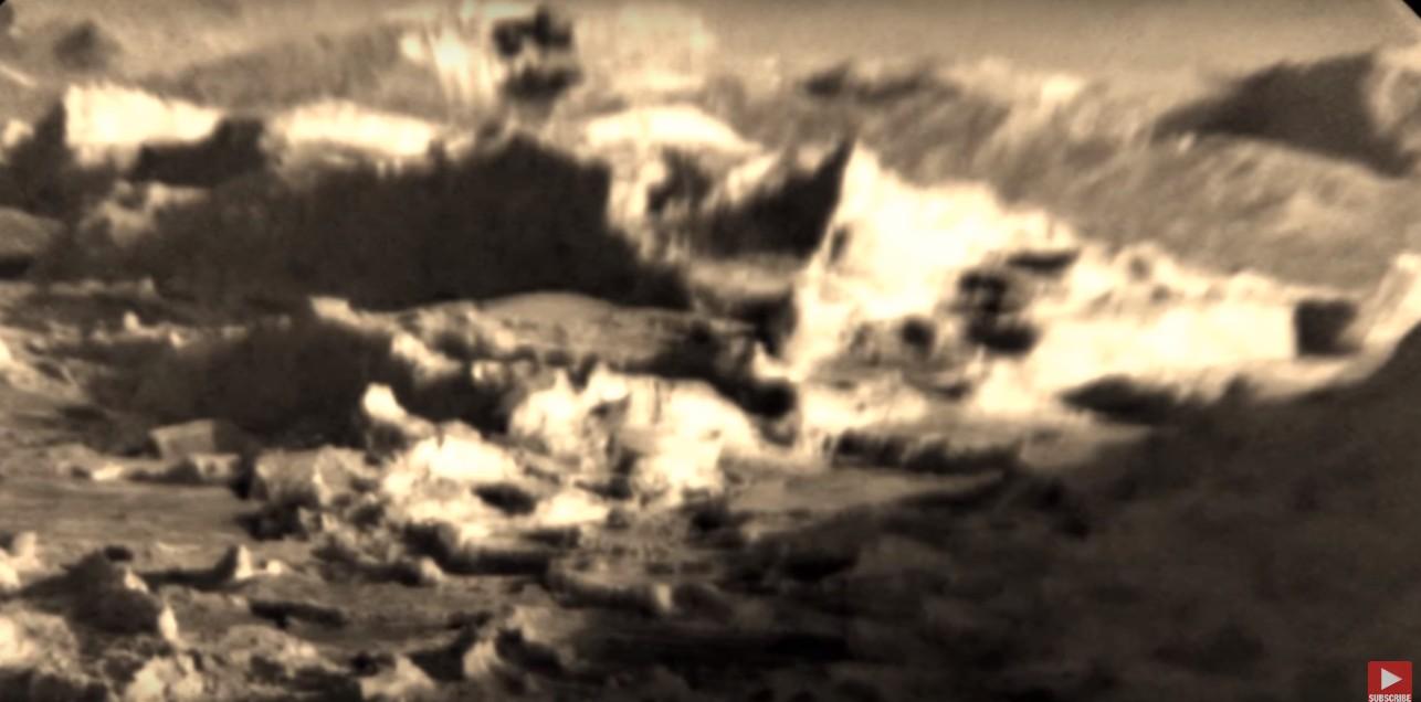 """Curiosity fotografía una """"Ciudad Alien"""" en el Cráter Gale"""