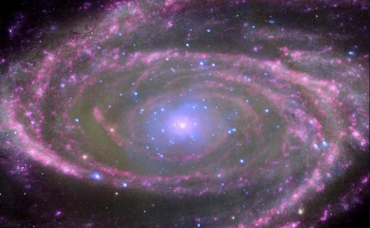 Descubren un agujero negro con una masa 10.000 millones de veces la del Sol