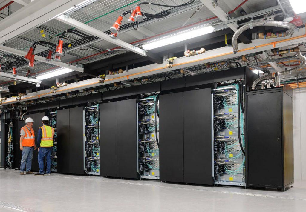 La NASA nos muestra a 'Aitken', el supercomputador con 46.080 núcleos y 3,69 petaflops que les ayudará a volver a la Luna