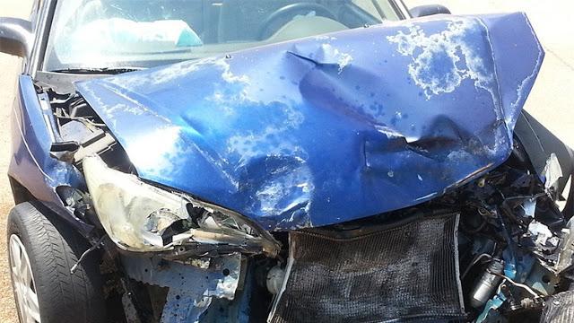 Se toma un «selfie» en el coche y captura el 'fantasma' del niño que murió allí en un accidente