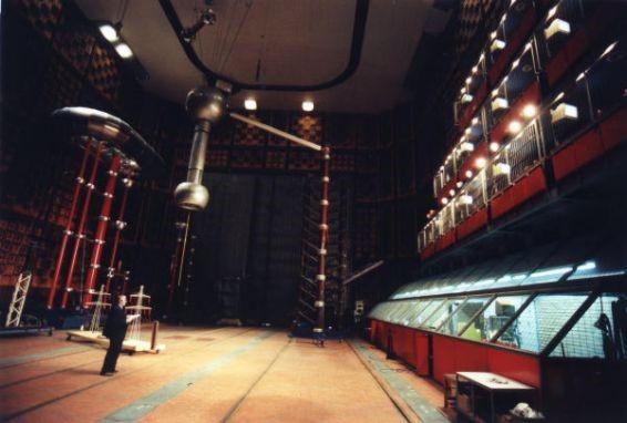 Nikola Tesla: El Hombre que cayó en la Tierra