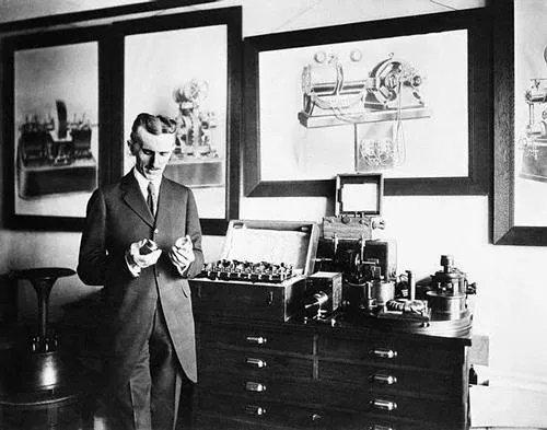 Tesla provocó un TERREMOTO con su oscilador electromecánico en 1898