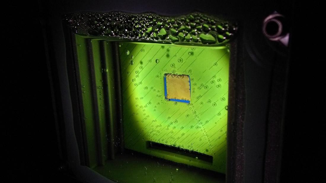 Ciencia: Científicos crean hoja artificial que usa luz solar para producir combustible sintético limpio