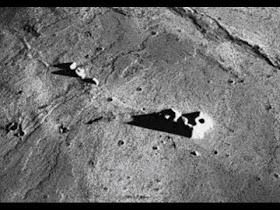 El ex piloto de la CIA afirma que las entidades extraterrestres viven en la Luna