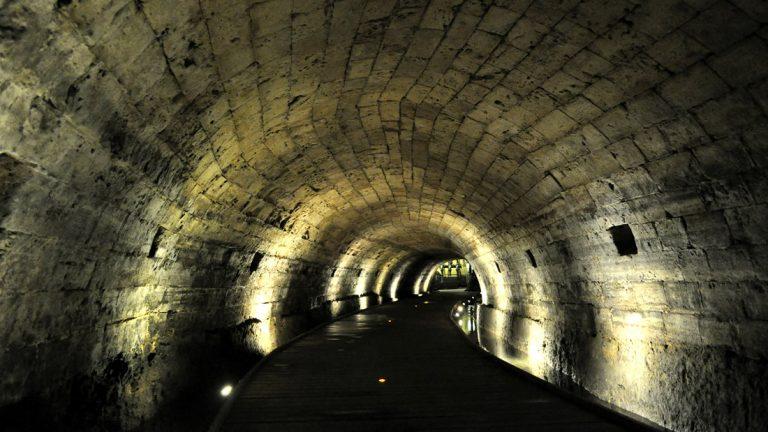 Hallan túneles que los Caballeros Templarios habrían usado para transportar sus tesoros perdidos.