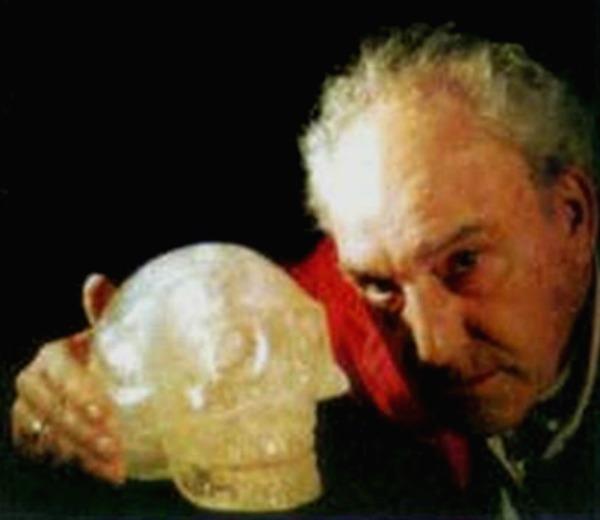 La Leyenda de las Calaveras de Cristal: ¿Un legado Extraterrestre?