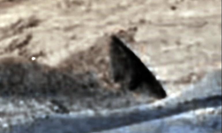 """MARTE, descubrió una """"Pirámide"""" en las últimas fotografías grabadas por la curiosidad Rover"""