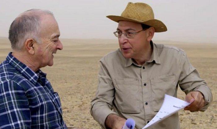 Hay una gran estructura escondida debajo de la arena en el Sahara