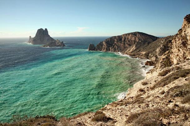 La legendaria isla de Es Vedra: Atlantis, The Odyssey y una atracción magnética para avistamientos de ovnis