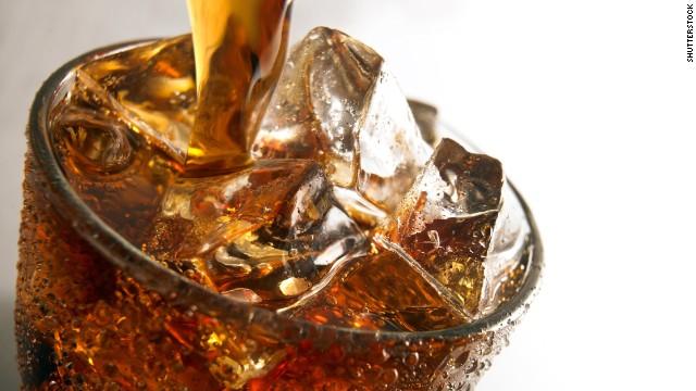 Según análisis muchos refrescos contienen un potencial CANCERÍGENO.
