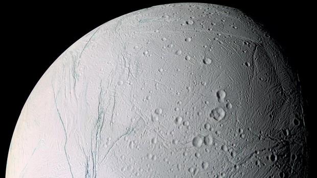 ¿Podría la vida terrestre haber llegado hasta lugares tan remotos como Europa o Encelado, entre las lunas más prometedoras del Sistema Solar?