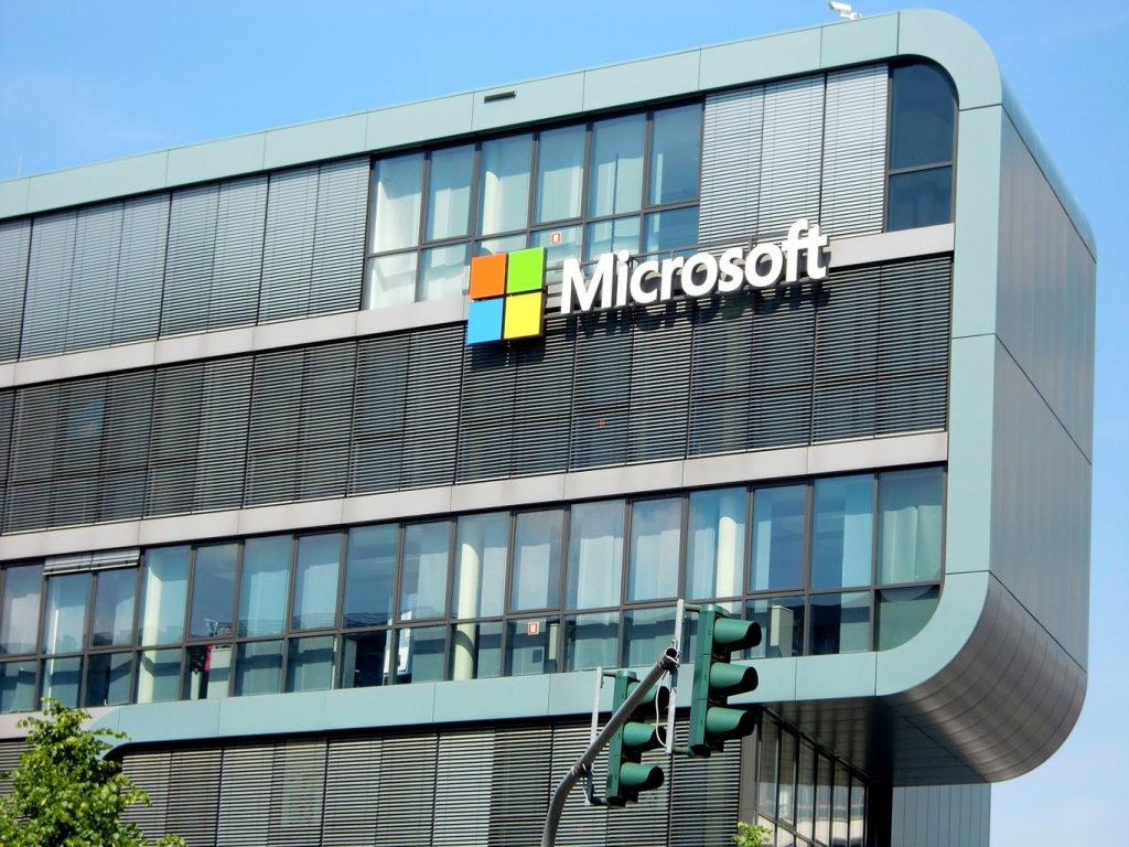 El ambicioso plan de Microsoft para almacenar contenido eternamente y servir a los historiadores del futuro