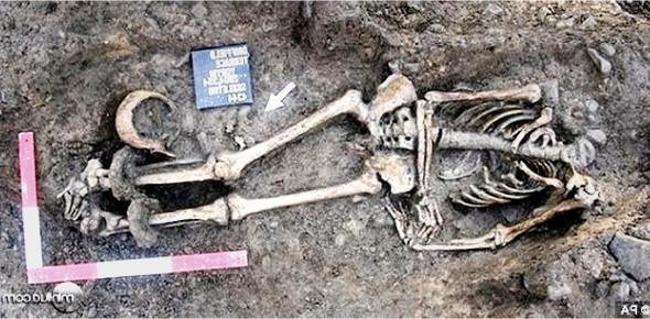 Un cementerio con 80 esqueletos gigantes en Rumanía, Nunca te mostrarán esto en la TV