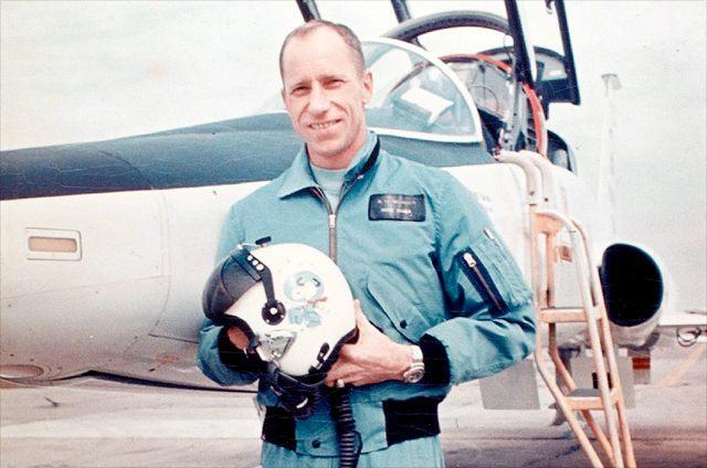 Al Worden fue un astronauta que viajó a la Luna en la misión Apolo 15.